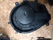 Вентилятор,  мотор печки ( отопителя ) салона Фольксваген Пассат В5